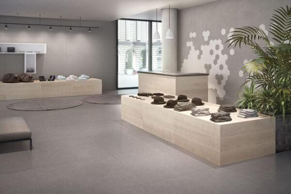 keope_grey_negozio_resina-grey-a-pavimento_legno-sand_a-parete-a-destra-resina-silver